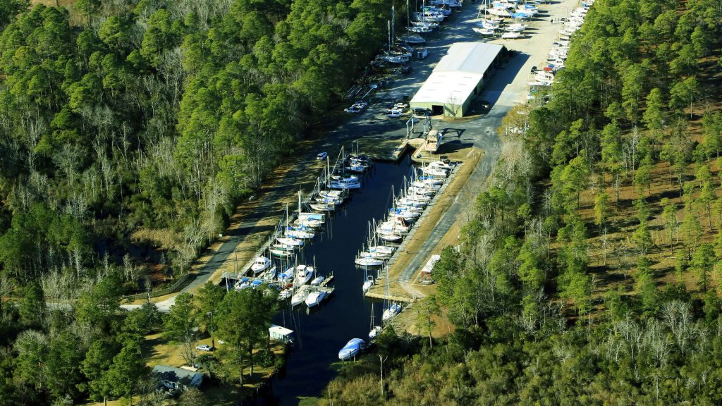 duck creek marina and boatyard